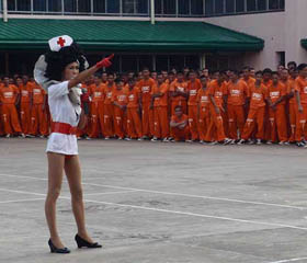 Ladyboys-at-prison4