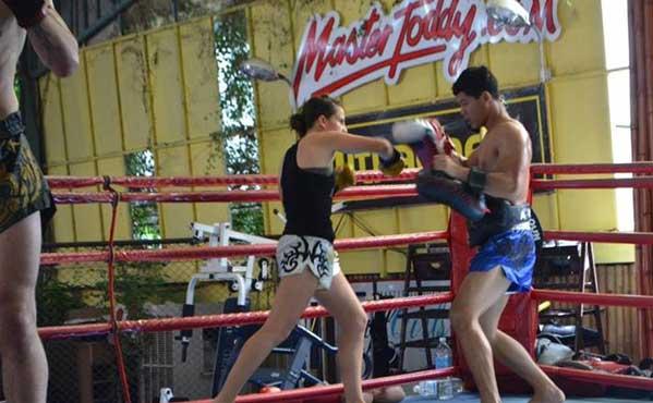 Master Toddy's Gym Bangkok entrenar muay thai