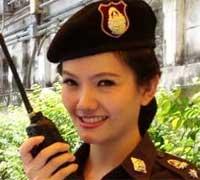 policía buenorra tailandesa