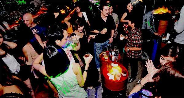 Discoteca Bangkok Demo Thong Lor