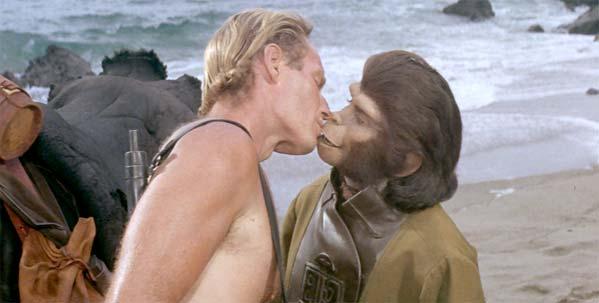 Beso con un mono