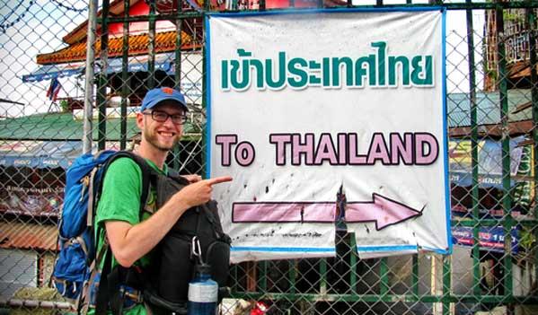 Turista mochilero en Tailandia