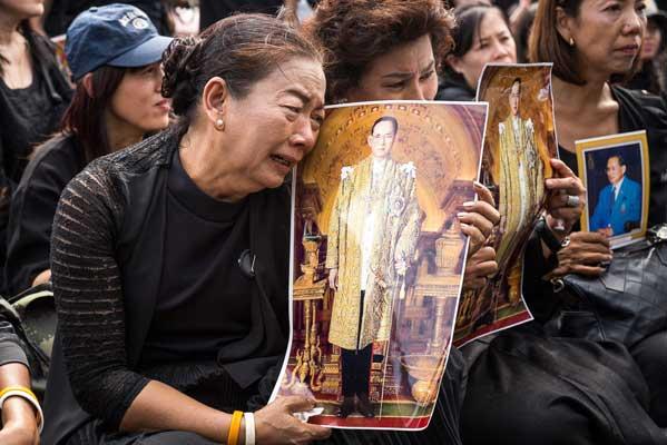 Tailandia luto Bhumibol
