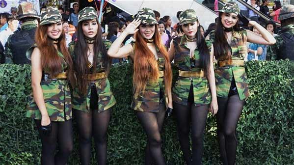 Militares mujeres Tailandia