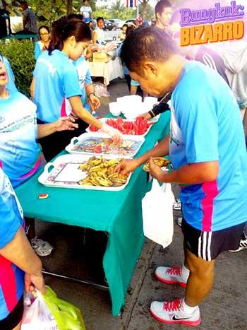 Comida picante en carrera tailandesa