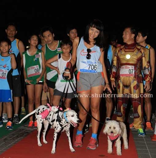 Correr una carrera con Iron Man y tus perros en Bangkok