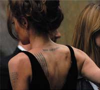 Mujer tailandesa tatuada
