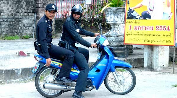Policía moto en Tailandia