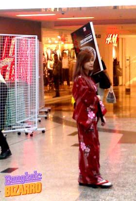 Mujer anuncio restaurante japonés