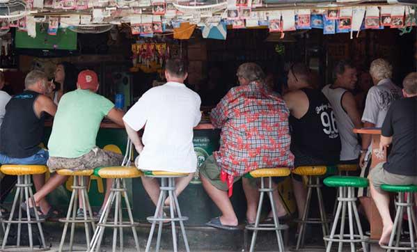 Ropa Farangs en Sukhumvit Bangkok