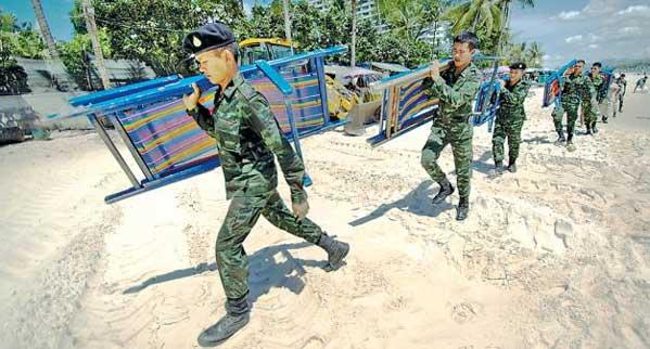 Playa Hua Hin Militares