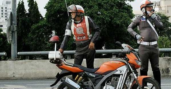 Policía de tráfico Tailandia