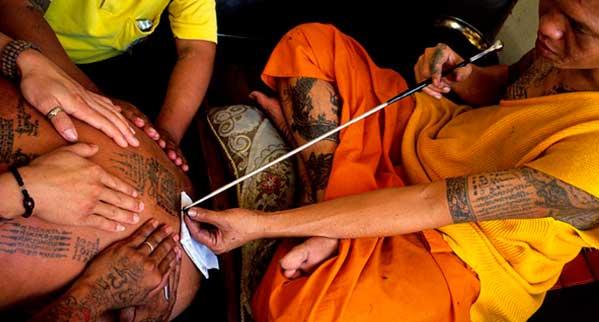 Tatuaje tailandés tradicional sak yant