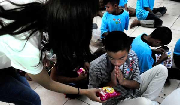 donaciones caridad tailandia