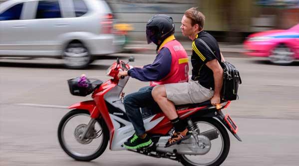 Llegando tarde al trabajo trabajar en Tailandia