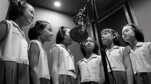 Niños cantando Tailandia