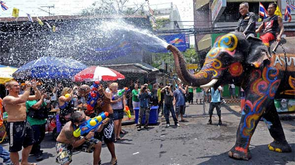 Songkran elefantes