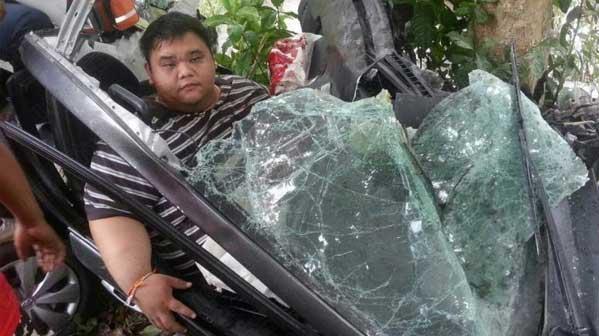 accidente coche tailandia