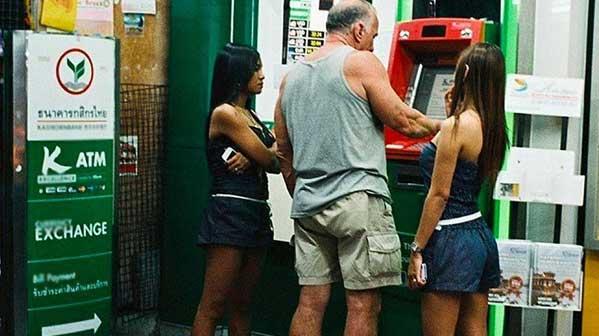 farang cajero automático tailandia