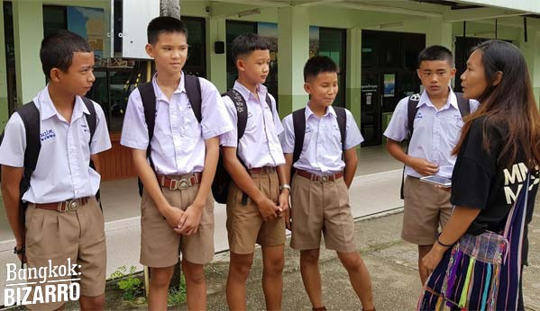 Niños de Tham Luang escuela