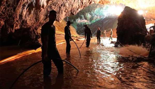 Rescate en la cueva de Tham Luang