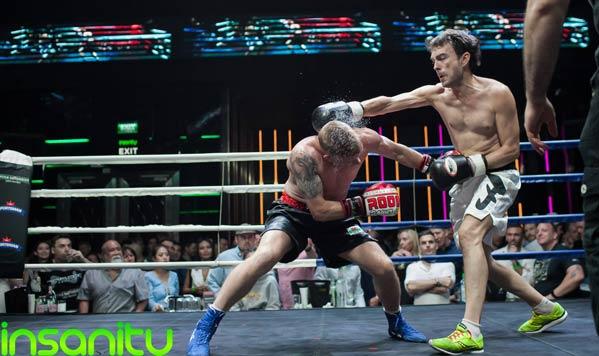 Pelea de boxeo en Insanity Bangkok Tailandia