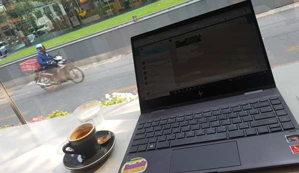 cafe y ordenador