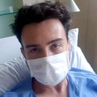 hospitalizado en Bangkok mascarilla